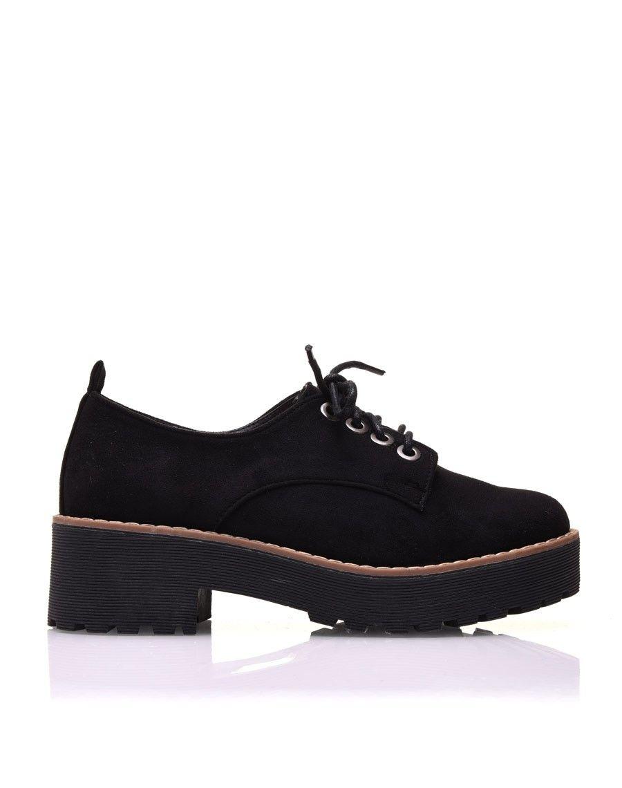 chaussure noire en sudine petit talon. Black Bedroom Furniture Sets. Home Design Ideas