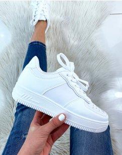 Basket blanche à semelle épaisse