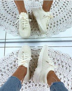 Baskets beiges souples respirantes effet chaussettes