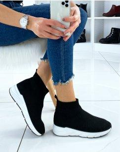 Baskets chaussettes noires et semelle blanche