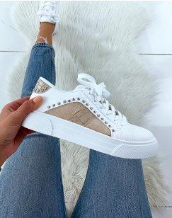 Baskets cloutées blanches et beiges effet croco