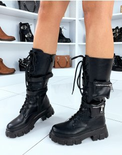 Bottes noires en similicuir lacées et poches intégrées
