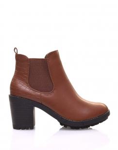 Chelsea boots camel à talon et effet croco