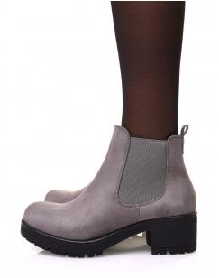 Chelsea boots grises en suédine à talon mi haut