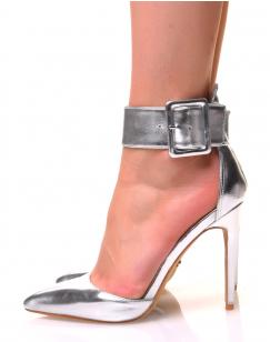 Escarpins argentés effet métallique à larges brides