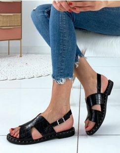 Nu-pied noire à semelle cloutée