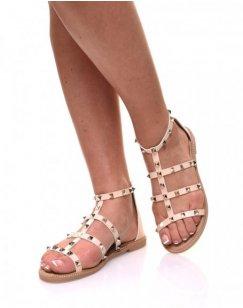 Nu-pieds beiges à brides cloutées