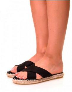 Nu-pieds noirs à lanières croisées