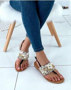 Nu-pieds noirs ornées de dentelle de perles et de strass