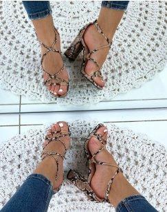 Sandale beige talon carré effet python