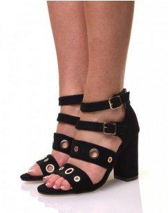 Sandale noire suédine avec des brides à œillets