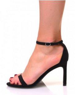 Sandale noires en suédine à talons aiguilles