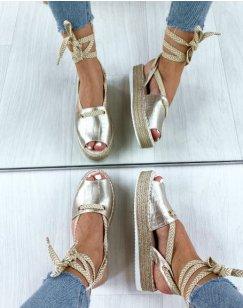 Sandales à plateforme dorées effet croco