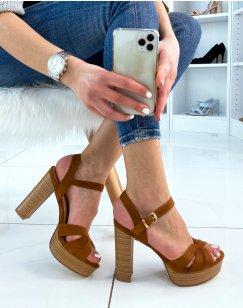 Sandales à talon en suédine camel