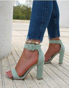 Sandales à talon en suédine vert à boucle carré