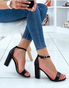 Sandales à talon noir mat