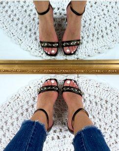 Sandales à talon noires à chaîne dorée
