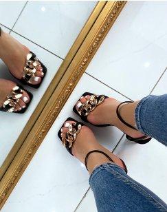 Sandales à talon noires à fines brides et chaîne dorée
