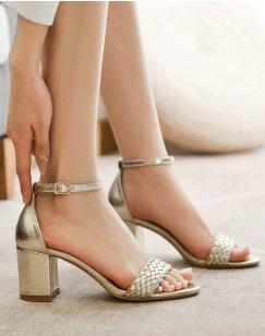 Sandales à talons dorées à bride tressée