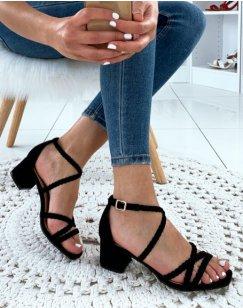 Sandales à talons noires à brides tressées
