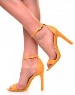 Sandales à talons plats en suédine jaune