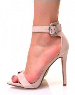 Sandales beiges en suédine à talons aiguilles et à larges brides