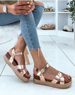 Sandales compensées rose gold effet métallique
