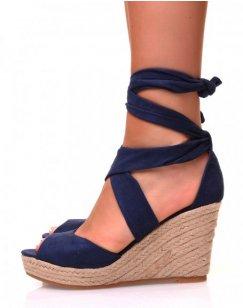 Sandales en suédine bleue marine à talons compensés