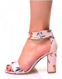 Sandales fleuries en toile à talons carrés et brides en scratch