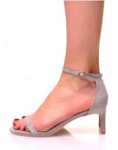 Sandales grises en suédine à petits talons aiguilles