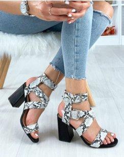 Sandales noires à larges brides effet serpent