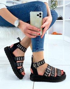 Sandales noires à multiples brides cloutées