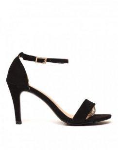 Sandales noires à talons en suédine