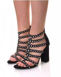 Sandales noires en suédine à lanières cloutées