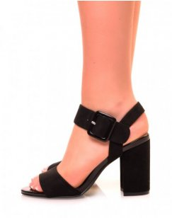 Sandales noires en suédine à talon carré