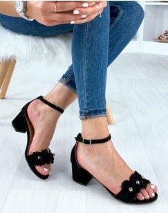 Sandales noires en suédine à talon carré et bride cloutée