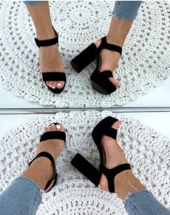 Sandales noires en suédine à talon et à plateforme épaisse