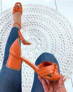 Sandales orange à brides nouées