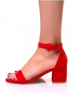 Sandales rouges en suédine à talons carrés