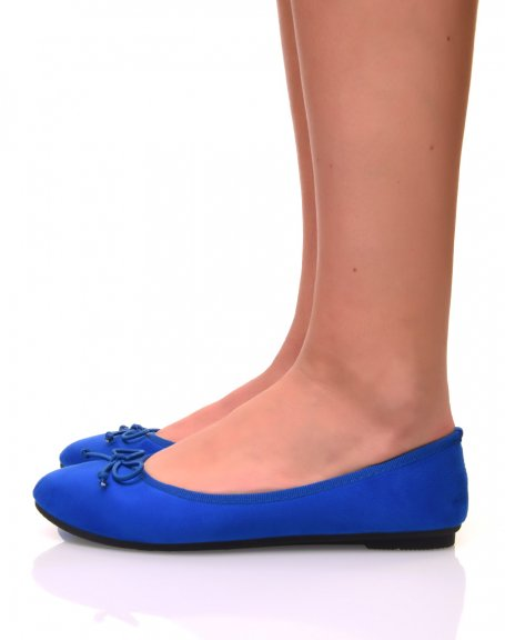 Ballerines bleues claires en suédine à petits noeuds
