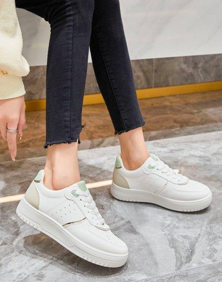 Basket blanche et beige à détails verts