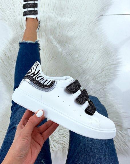 Baskets blanches à scratchs noirs pailletés