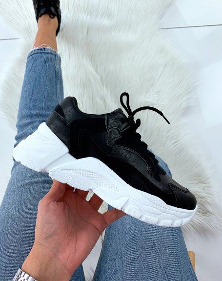 Baskets noires à semelle épaisse blanche
