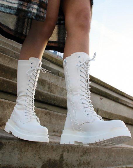 Bottes blanches hautes à lacets