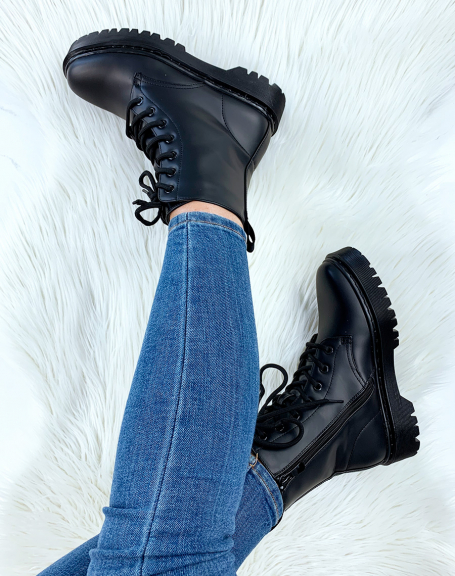 Bottines hautes noires mat