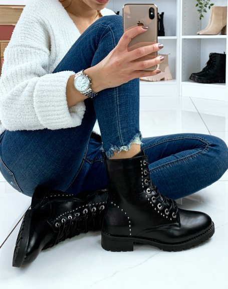 Bottines noires à lacets et détails cloutés