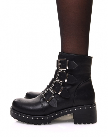 Bottines noires à sangles multiples et semelle cloutée