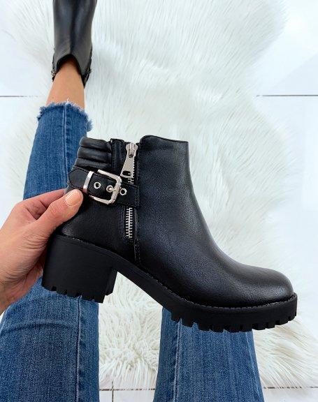 Bottines noires à talons et à zip décoratif