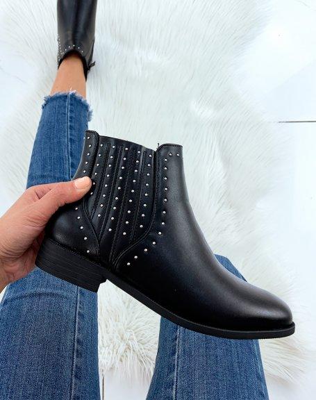 Bottines noires basses ornées de clous