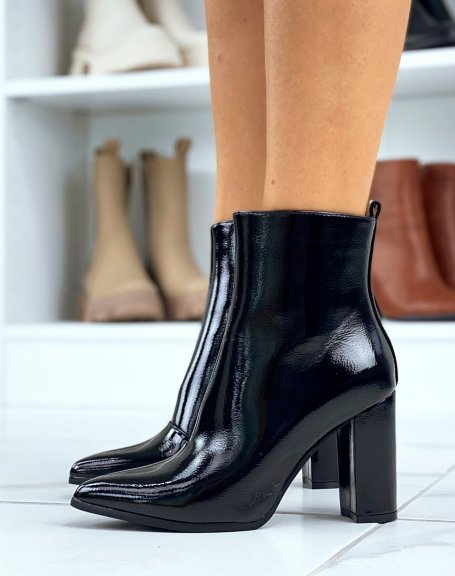 Bottines noires vernies à talons carré et à bouts pointus